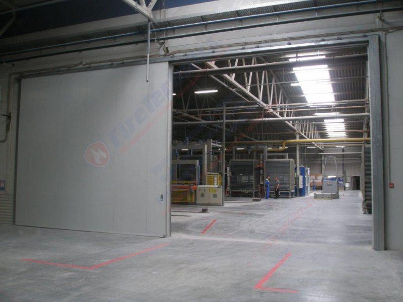Откатные противопожарные ворота FireTechnics-P EI90 глухие, Складской комплекс